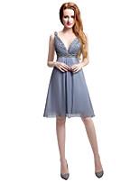 Knä-längd chiffon brudtärna klänning - mantel / kolumn v-hals med pärlstav