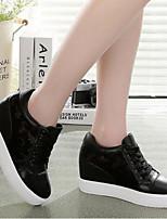 נעלי התעמלות של נשים
