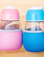Linda capa de pano em miniatura garrafa de vidro portátil (cores aleatórias)