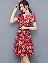 Для женщин На выход Праздник Большие размеры Изысканный А-силуэт Платье С принтом,V-образный вырез Выше колена С короткими рукавами