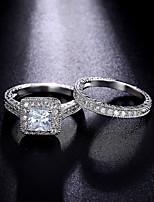 Bague de fiançailles Bague Zircon cubique Bijoux de Luxe Classique Mode Zircon Forme Ronde Bijoux Pour Mariage Soirée Quotidien 1 Set