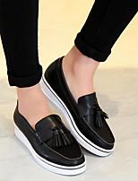 Для женщин На плокой подошве Удобная обувь Микроволокно Весна Повседневный Белый Черный На плоской подошве