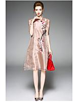 Для женщин Повседневные Оболочка Платье Вышивка,Круглый вырез Выше колена С короткими рукавами Полиэстер Лето С высокой талией