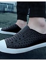 Для мужчин Сандалии Удобная обувь Резина Весна Повседневный Белый Черный На плоской подошве