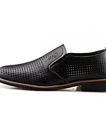 Men's Loafers & Slip-Ons Hole Shoes PU Summer Outdoor Walking Hole Shoes Flat Heel Black Brown Under 1in