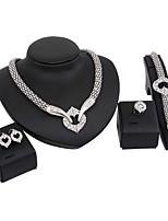 Damen Schmuckset Halskette Braut-Schmuck-Sets Strass Modisch Euramerican Klassisch Strass Blumenform1 Halskette 1 Paar Ohrringe 1 Armreif
