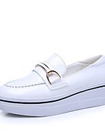Для женщин Мокасины и Свитер Удобная обувь Полиуретан Весна Осень Повседневный На плоской подошве Белый Черный 2,5 - 4,5 см