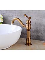 Современный По центруКерамический клапан Одной ручкой одно отверстие for  Старая медь , Ванная раковина кран