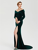 2017 TS Couture Formal Evening Dress - Celebrity Style Furcal Sheath / Column Off Shoulder Sweep / Brush Train Velvet with Split