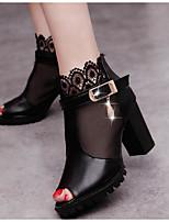 Для женщин Обувь на каблуках Удобная обувь Полиуретан Весна Повседневный Белый Черный На плоской подошве