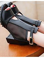 Для женщин Сандалии Удобная обувь Лакированная кожа Полиуретан Весна Повседневные Удобная обувь Белый Черный На плоской подошве