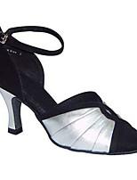 Для женщин Латина Шёлк Сандалии Концертная обувь Крест-накрест Кубинский каблук Черно-белый 5 - 6,8 см Персонализируемая