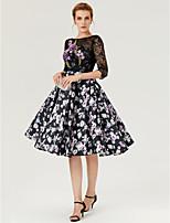 Cocktailparty Kleid - See Through Muster-Kleid Offener Rücken Prinzessin Knie-Länge Spitze Satin mitApplikationen Muster / Druck Plissee
