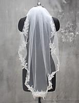Wedding Veil One-tier Shoulder Veils Fingertip Veils Communion Veils Lace Applique Edge Lace Tulle
