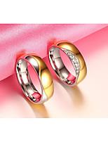 Couple Couple de Bagues Zircon cubique Circulaire Vintage Elegant Zircon Acier au titane Forme Ronde Bijoux PourMariage Soirée