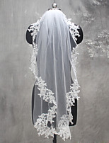 Wedding Veil One-tier Shoulder Veils Fingertip Veils Lace Applique Edge Lace Tulle