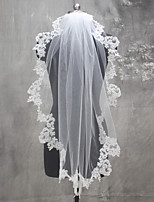 White / Ivory Wedding Veil One-tier Shoulder Veils Fingertip Veils Communion Veils Lace Applique Edge Lace Tulle