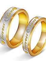 Couple Couple de Bagues Zircon cubique Adorable Elegant Zircon Acier au titane Plaqué or Forme Ronde Bijoux PourMariage Soirée