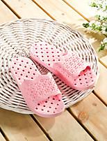 Hohle geschnitzte rutschfeste Haushalt Pantoffel rosa