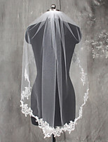 White / Ivory Bride Wedding Veil One-tier Shoulder Veils Fingertip Veils Communion Veils Lace Applique Edge Lace Tulle With Comb