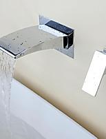 Современный Разбросанная Водопад Настенное крепление with  Керамический клапан Одной ручкой Два отверстия for  Хром , Ванная раковина кран