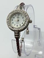 Жен. Модные часы Наручные часы Кварцевый Металл Группа Кольцеобразный Повседневная Красный