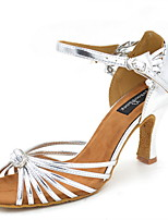 Для женщин Латина Искусственная кожа Сандалии Концертная обувь С пряжкой На шпильке Серебряный 7,5 - 9,5 см Персонализируемая