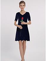Для женщин На каждый день Офис Большие размеры Простое Оболочка Платье Однотонный Жаккард,V-образный вырез Выше коленаС короткими