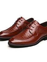 Masculino Oxfords Conforto Sapatos formais Couro Primavera Verão Outono Inverno Casual Cadarço Salto Baixo Preto Marron Menos de 2,5cm