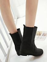 Для женщин Обувь Полиуретан Весна Осень Удобная обувь Ботинки На плоской подошве Круглый носок С Назначение Повседневные Белый Черный