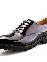 Masculino Oxford Sapatos formais Primavera Verão Outono Inverno Couro Envernizado Casual Festas & Noite Preto Vermelho 2,5 a 4,5 cm