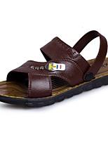 Для мужчин Сандалии Удобная обувь Лето Кожа Тюль Повседневные На плоской подошве Черный Коричневый 4,5 - 7 см
