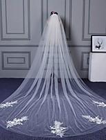 Voiles de Mariée Une couche Voiles cathédrale Bord coupé Bord en dentelle Bord orné de perles Dentelle Tulle