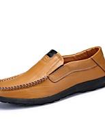 Hombre Zapatos de taco bajo y Slip-Ons Confort PU Primavera Otoño Casual Fruncido Tacón Plano Negro Marrón Plano