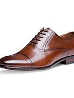 Masculino Oxfords Conforto Sapatos formais Pele Napa Pele Primavera Verão Outono Inverno Casual Cadarço Salto Baixo Preto MarronMenos de