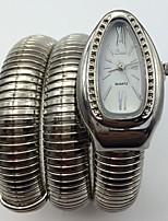 Жен. Модные часы Наручные часы Кварцевый Металл Группа Кольцеобразный Cool Повседневная Серебристый металл