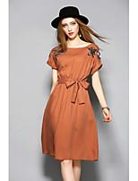 Для женщин На каждый день Оболочка Платье Однотонный Вышивка,Круглый вырез До колена С короткими рукавами Хлопок ЛетоСо стандартной