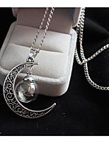 Women's Pendant Necklaces Moon Alloy Fashion Vintage Jewelry For Wedding Party Birthday Graduation Gift Daily