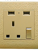 Электрические розетки PP С выходом USB-зарядного устройства 8*8*4