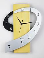 Модерн Деревенский Повседневный Офисный Прочее Лас-Вегас Азия Классика Мода Абстракция Семья Настенные часы,Ромб 5 см Натуральное дерево