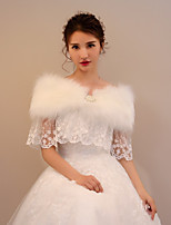 Women's Wrap Capelets Faux Fur Lace Wedding Party/ Evening Rhinestone Beading Lace-trimmed bottom