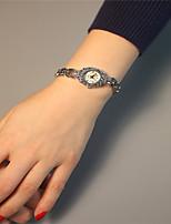 Жен. Модные часы Кварцевый сплав Группа Блестящие Серебристый металл