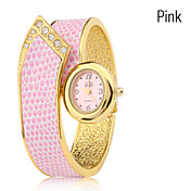 Women's Quartz Analog Alloy Band Bracelet Watch (Assorted Colors)
