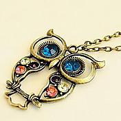 Women's Vintage Cut Out Flower Necklace