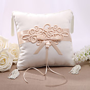 Elegent Satin Wedding Ring Pillow With Chinese Knot