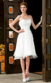 A-line Sweetheart Knee-length Organza Wedding Dress
