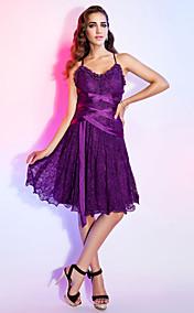 A-line V-neck Knee-length Lace Cocktail Dress