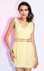 Sheath/Column V-neck Short/Mini Chiffon Cocktail Dress With Beading