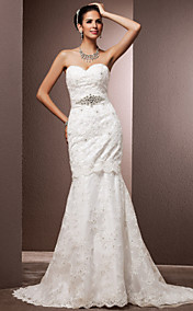 Trumpet/Mermaid Sweetheart Court Train Lace Wedding Dress With Removable Train