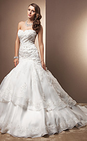 Trumpet/Mermaid Sweetheart Chapel Train Organza And Lace Wedding Dress
